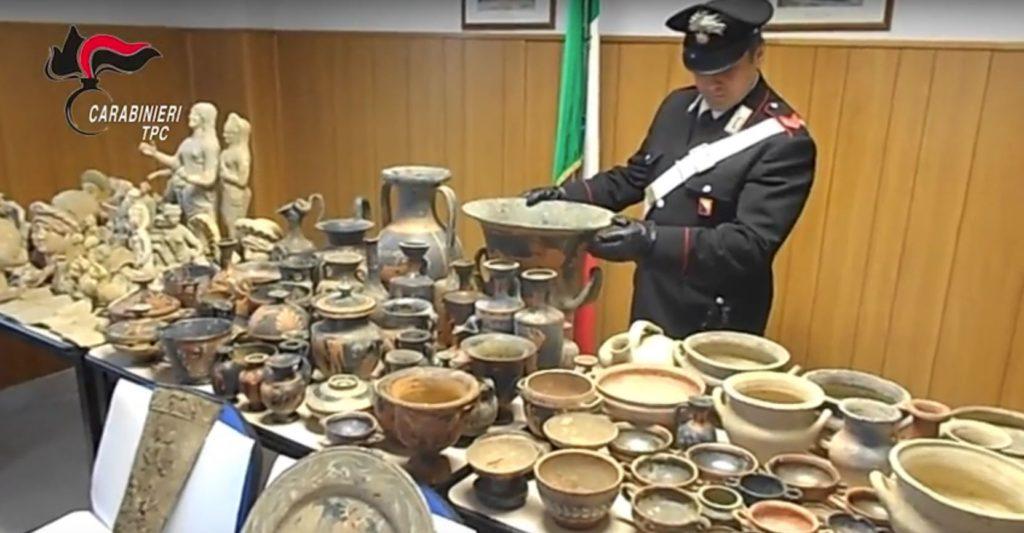 Anillo-de-contrabando-italia-antigüedades-reliquias-criminales-policía-