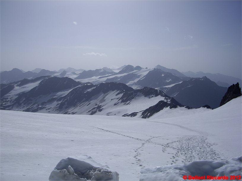 Photo: IMGP6241 le nostre tracce sul ghiacciaio e la cresta percorsa