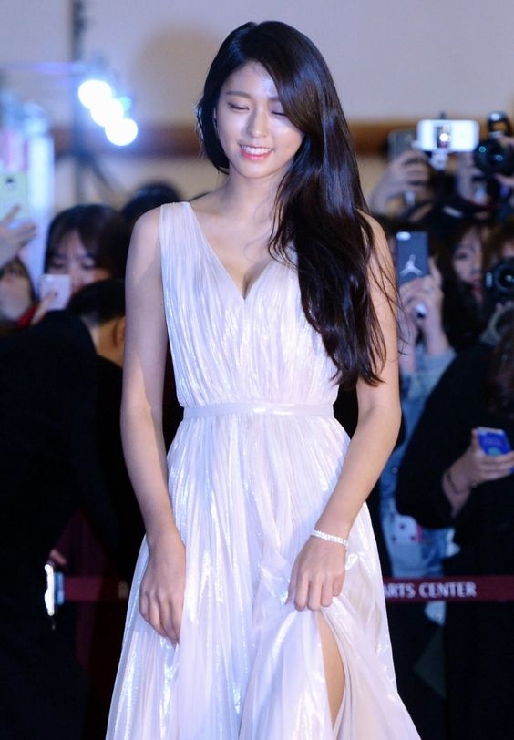 seol gown 16