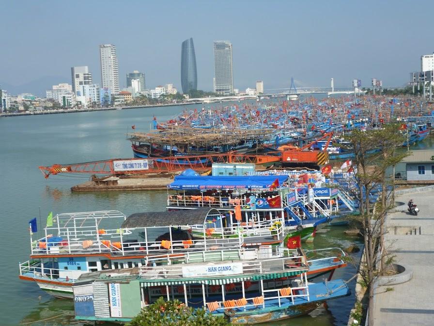 tết trên cảng Sông Hàn