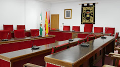 Salón de plenos del Ayuntamiento de Adra.