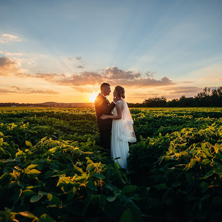 Wedding photographer Mikola Cimbalyuk (MikolaCimbal). Photo of 11.09.2017