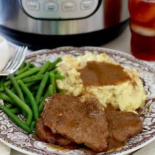 Instant Pot Cubed Steak and Gravy.