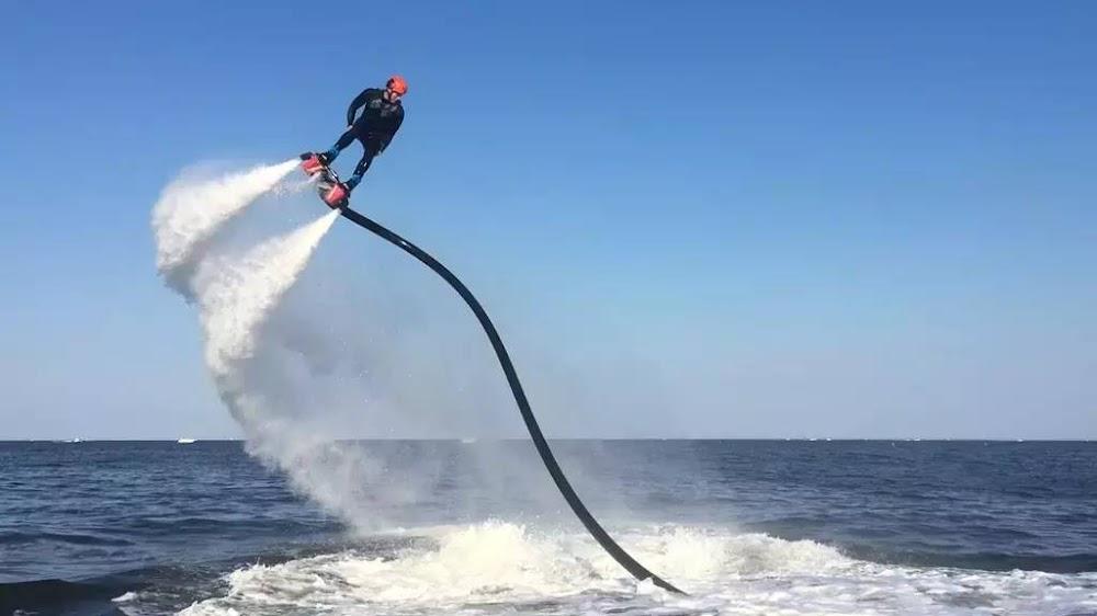 15-extreme-sports-destination-india-Flyboarding-Goa-image