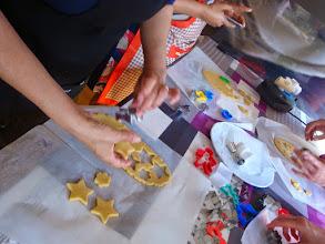 Photo: cortando galletas