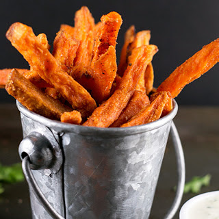 Indian Spiced Sweet Potato Fries With Parsley Cashew Dip [Vegan].