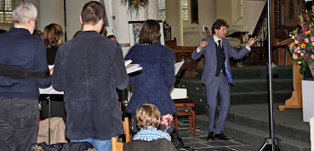 Photo: Cantor-organist Marijn Slappendel . . .
