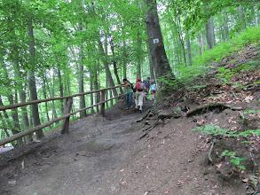 Photo: 06.I zaczynamy podejście dość stromym szlakiem, oznaczonym zielonym trójkątem, prowadzącym do jaskini.