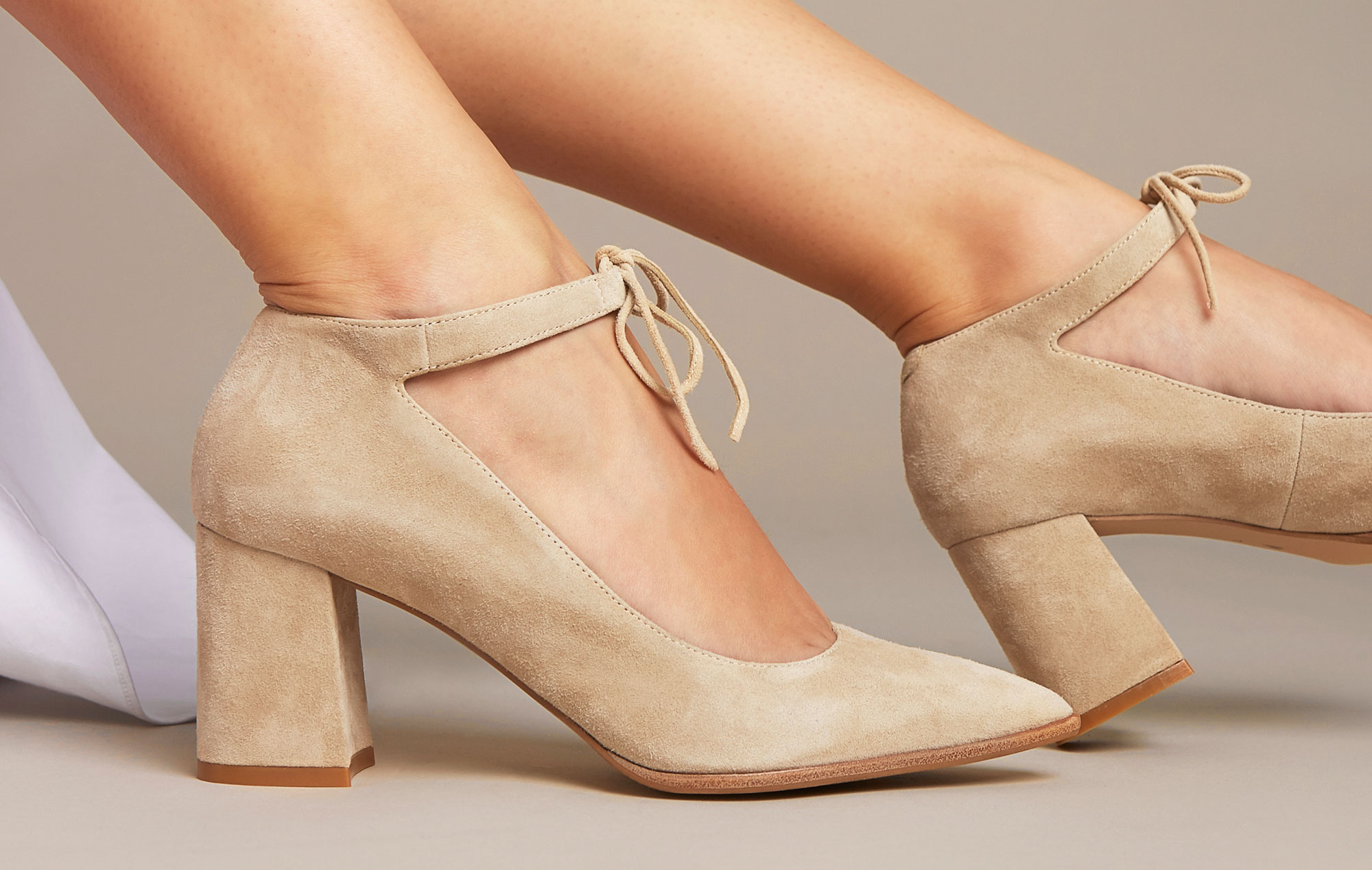 How to stretch beige suede shoes