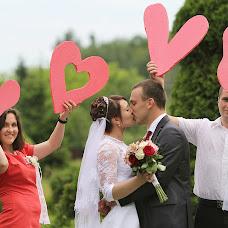 Wedding photographer Anatoliy Volokh (COMILFO77). Photo of 07.10.2014