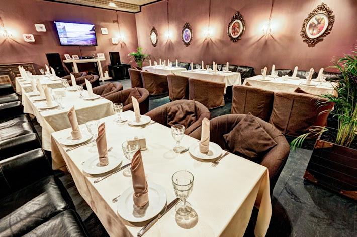 Фото №1 зала Сытый лось на Коломенском
