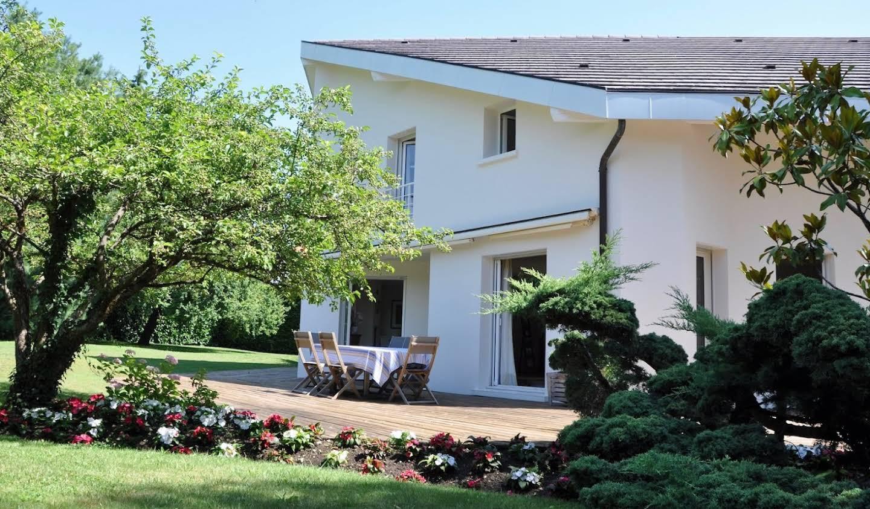 House with terrace Divonne-les-Bains