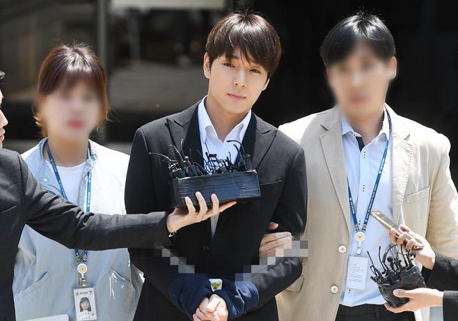 choi jonghoon relieved prison 5