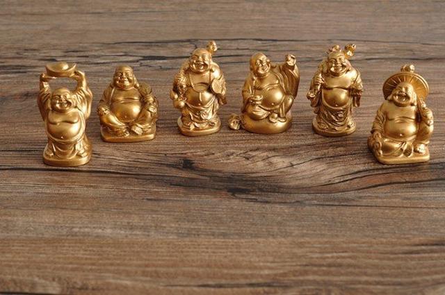 Nên chọn xi mạ vàng hay dát vàng đang là câu hỏi chung của mọi người