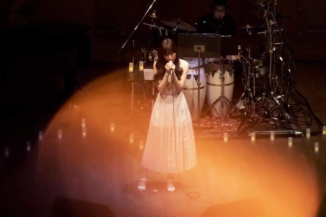 【迷迷現場】ChouCho 在夢寐以求的音樂會堂舉辦不插電演唱會「naked garden」