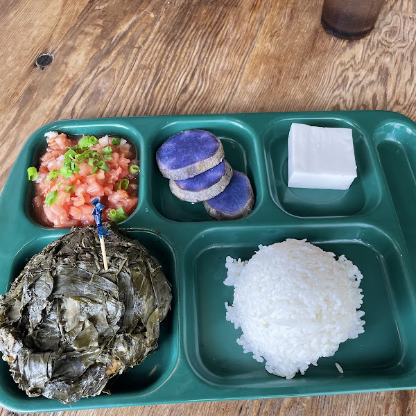 Combo playe with chicken lau lau