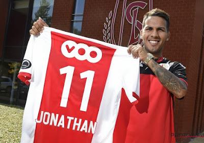 Straf: miskoop van Standard is niet alleen Spaans international, hij debuteerde ook mét het nummer 10