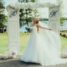 Wedding photographer Elina Kabakova (artvisionlv). Photo of 10.09.2017