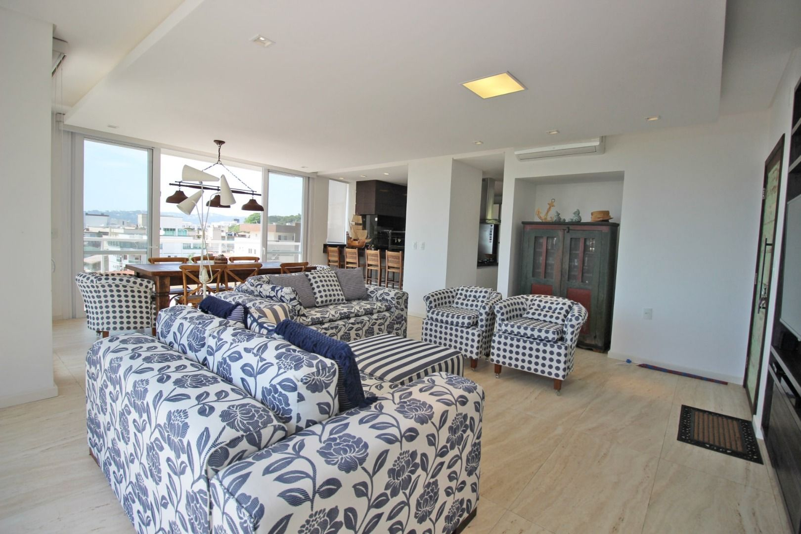 Cobertura com 3 Dormitórios à venda, 220 m² por R$ 2.980.000,00
