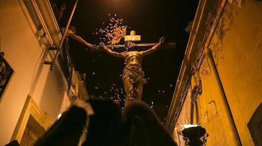 El Perdón enmudeció la ciudad en la noche del Martes Santo