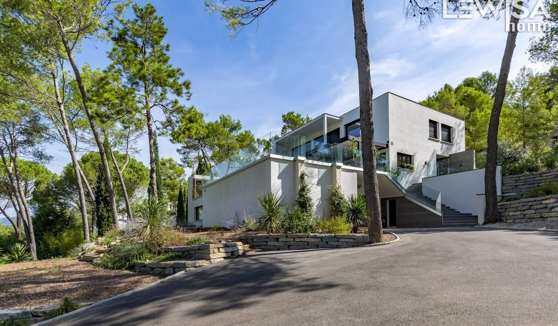 Maison contemporaine avec piscine et terrasse Montpellier