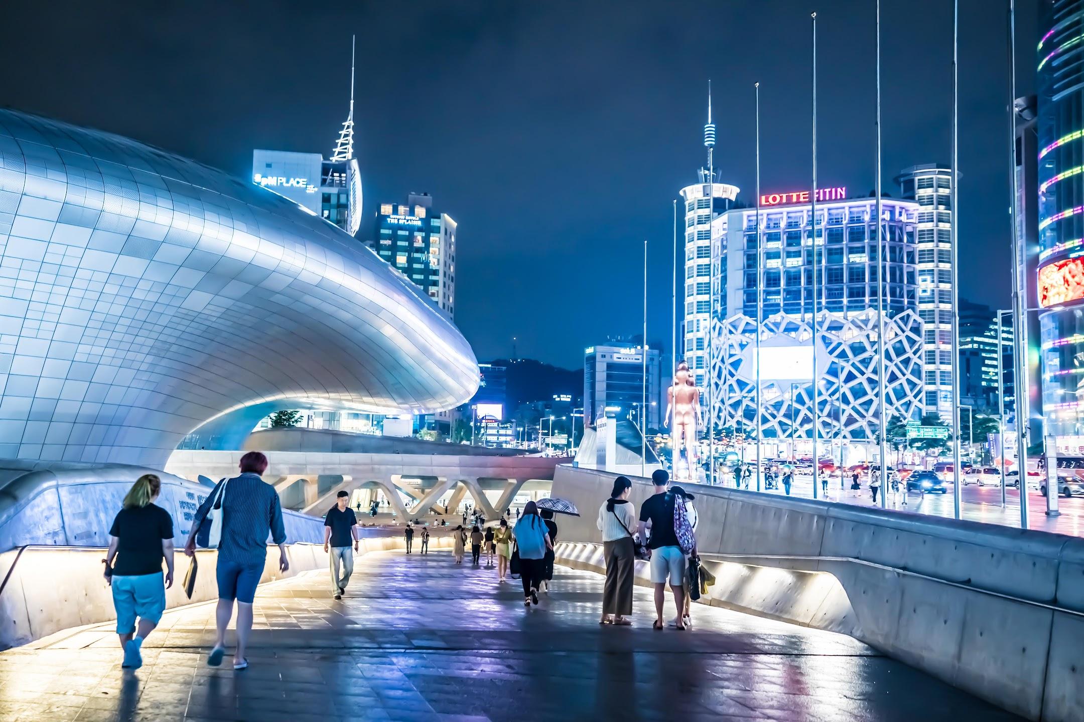 Seoul Dongdaemun Design Plaza (DDP)6