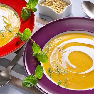 Möhrensuppe mit Ingwer und Orangensaft