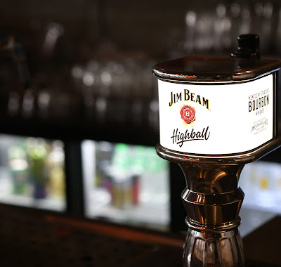 JIM BEAM HIGHBALL STORMS HIGH STREET!