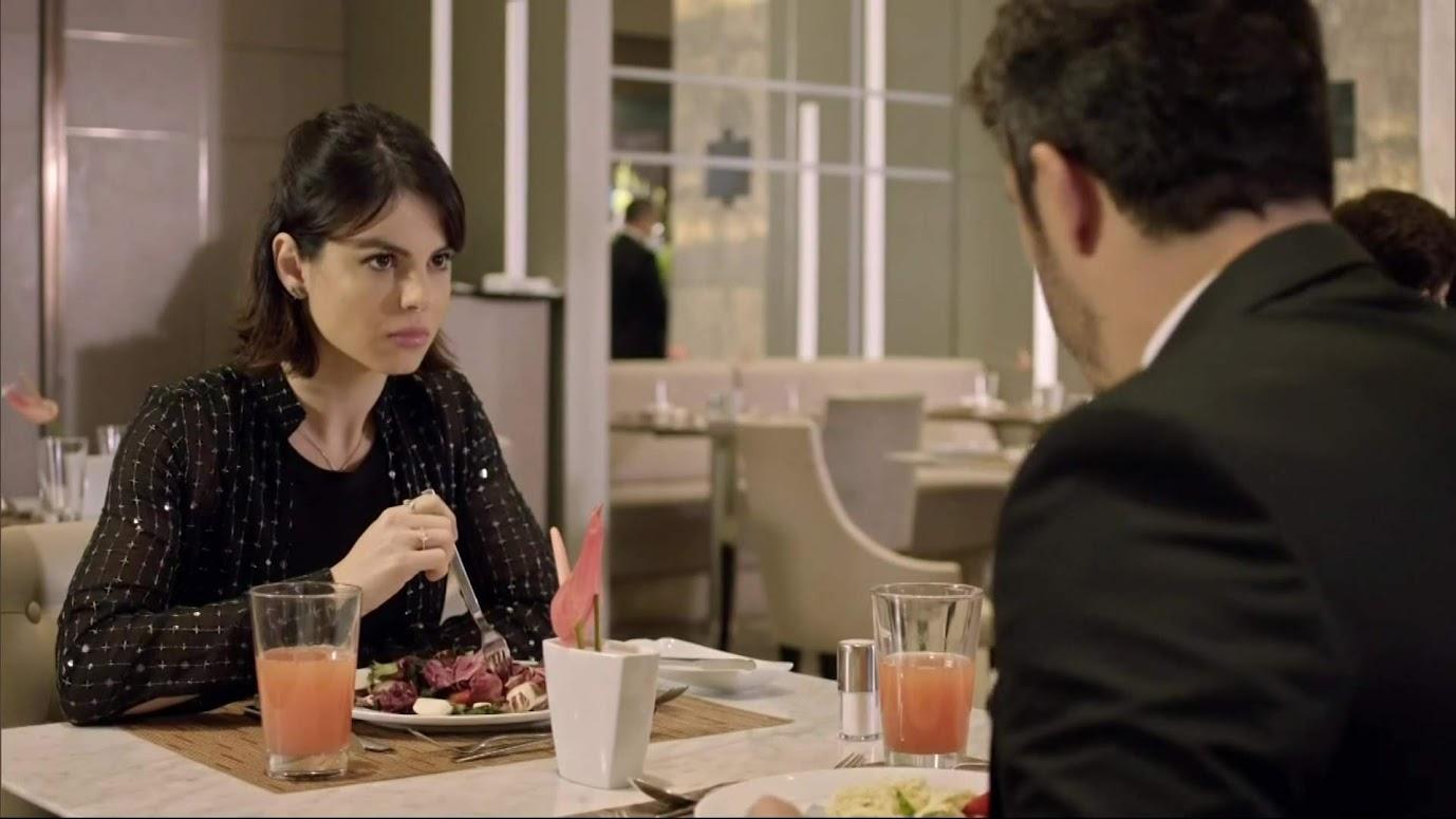 Sthefany Brito e Thiago Rodrigues em cena da novela Amor Sem Igual