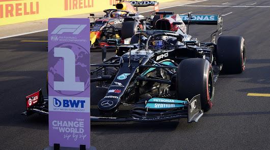Lewis Hamilton saldrá primero en la primera carrera al sprint de la F1 mañana
