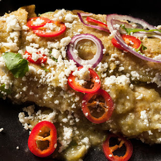 Easy Chicken Enchiladas Verdes