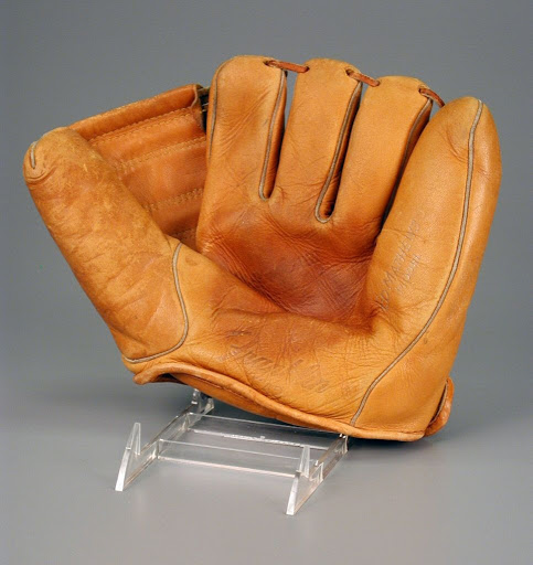 Baseball glove:Eddie Mathews model baseball glove