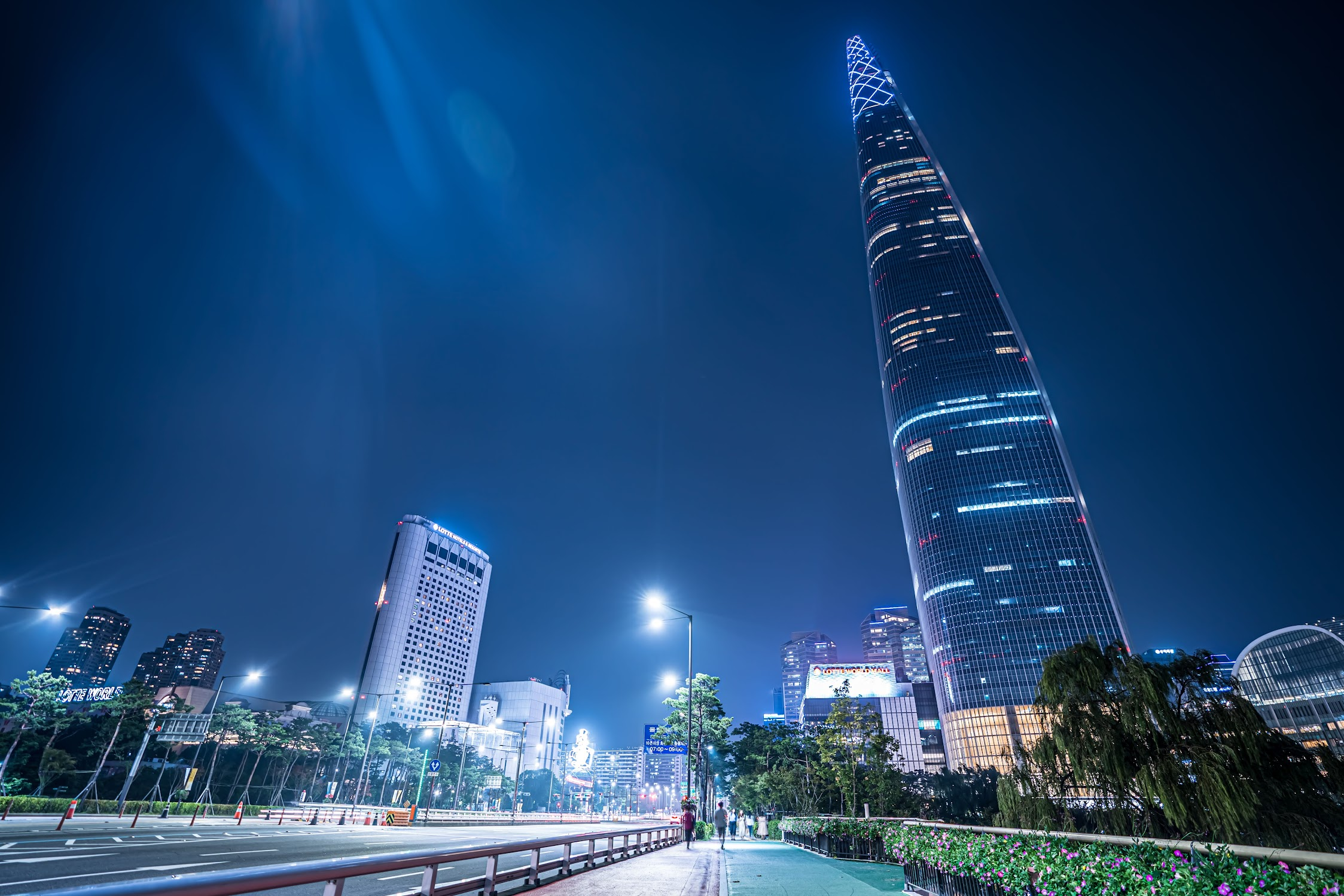 Lotte World Tower Night View2