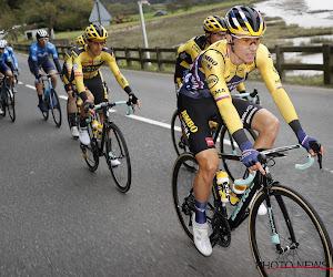 Topfavorieten meteen op de afspraak in Vuelta: Roglič rondt het af na sterk werk van Kuss en is eerste leider