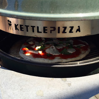 Kettle Pizza with Fresh Pizza Sauce