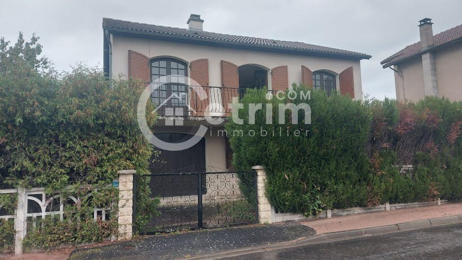 Vente maison 7 pièces 132 m² à Puy-Guillaume (63290), 129 000 €