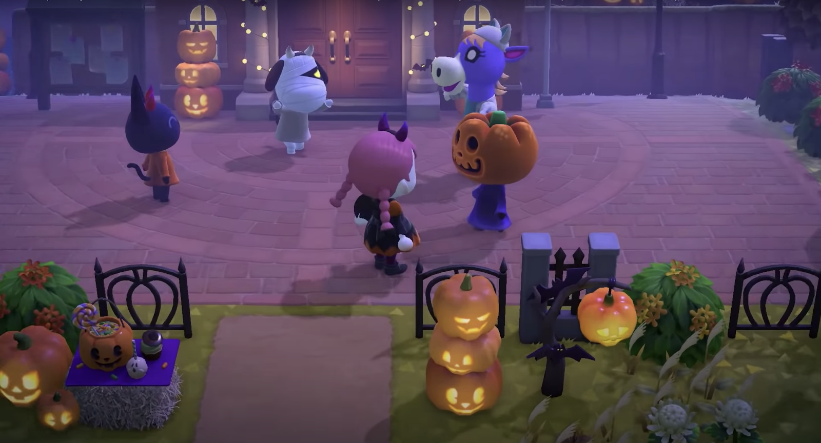 Animal Crossing New Horizons Halloween items and costumes.