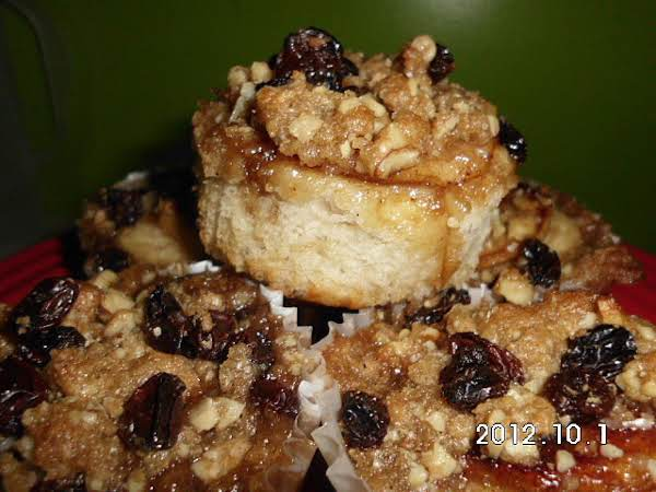 Apple Cinnamon Streusel Roll