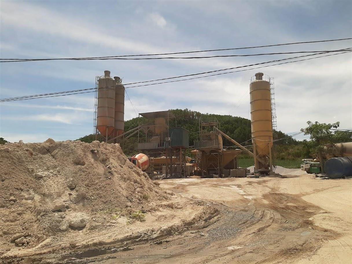 Trạm trộn bê tông trên đất nông nghiệp tại xã Hạ Sơn,  huyện Quỳ Hợp