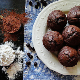 Starbuck'S Hot Cocoa Chocolate Chip Muffins Recipe