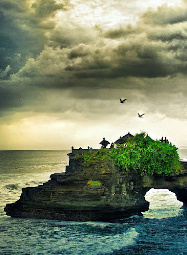 TANAH LOT TEMPLE by Made Weli Rtanaya (EBENK) - Novices Only Landscapes