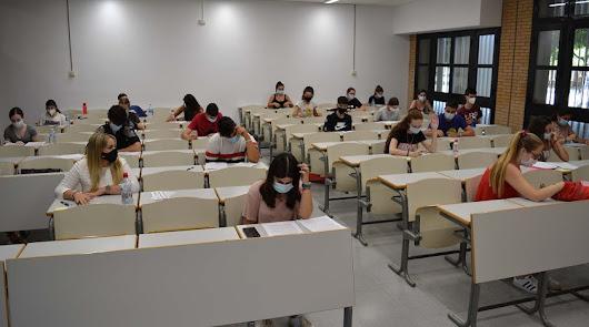 La UAL anula los exámenes presenciales de septiembre por el avance de la covid