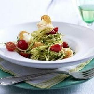 Salsa verde zu Spaghetti, Scampi und Kirschtomaten