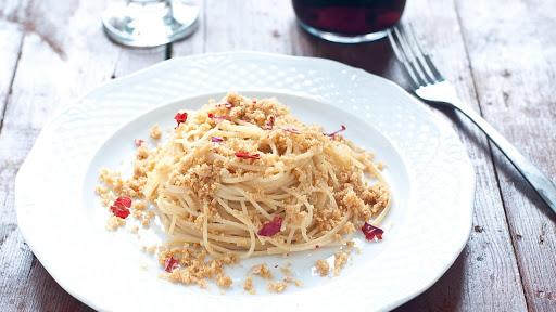Top Your Vegan Pasta With Fried Breadcrumbs