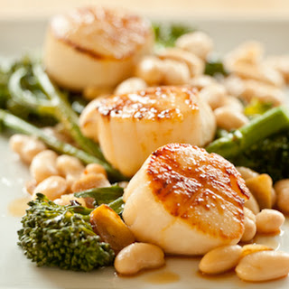 Seared Sea Scallops with Broccoli Rabe and White Beans