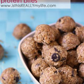 No-Bake Energy Bites (aka Peanut Butter Oatmeal Protein Bites)