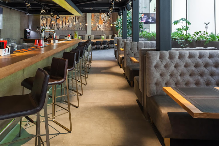Фото №4 зала Bar BQ Cafe Метрополис