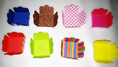Photo: Forminhas para doces de festas. Vários tamanhos e cores.