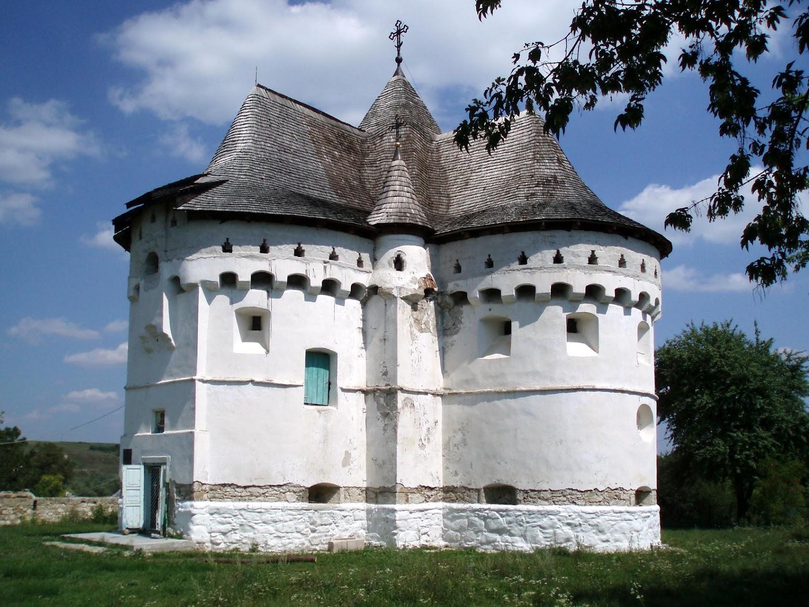 Покровська церква-фортеця
