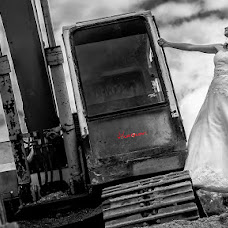 Wedding photographer Iosif Yurlov (LuckyCat). Photo of 23.12.2014